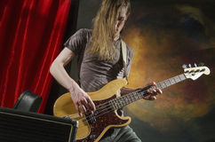 Vagga gitarren player_6 Arkivbilder