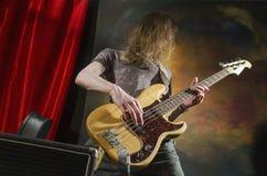 Vagga gitarren player_4 Arkivbilder