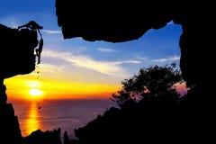 Vagga klättringen på berget Royaltyfri Fotografi