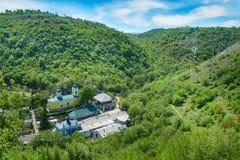Vagga kloster i byn Saharna, republiken Moldavien Arkivfoto