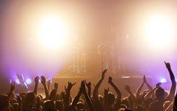 Vagga konserten arkivbild