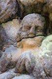 Vagga lättnad - detalj av en be ängel Arkivfoto