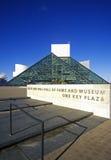 Vagga - och - rullar Hall av berömmelsemuseet, Cleveland, OH Arkivfoto