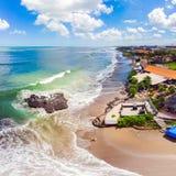 Vagga p? den Batu Balong stranden, det ber?mda br?nninginnest?llet f?r v?rlden p? Bali royaltyfri bild