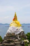 Vagga pagoden på Koh Sichang i det Chonburi landskapet, Thailand Royaltyfria Bilder
