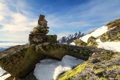 Vagga tornet i höga Tatras under Krivan arkivfoton