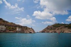 Vagga vid havet Krim Royaltyfri Fotografi