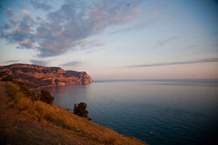 Vagga vid havet Krim i solnedgång Arkivbilder
