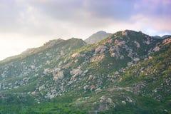 Vaggar berg Arkivfoto