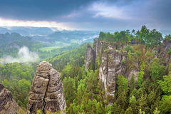 Vaggar det fantastiska landskapet för det fantastiska landskapet av för storen Royaltyfri Fotografi