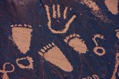 vaggar indiska tidningspetroglyphs för liten vik utah Arkivbild