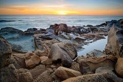 Vaggar och havet Royaltyfri Foto