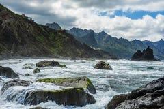 Vaggar på havet Arkivfoto