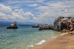 Vaggar på kusten Royaltyfria Bilder