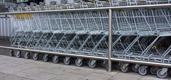vagn frambragd shopping för bild 3d shoppingspårvagn, shopping, affär Royaltyfria Foton