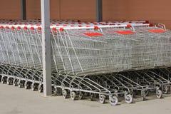 Vagnar lagrar, supermarket Fotografering för Bildbyråer