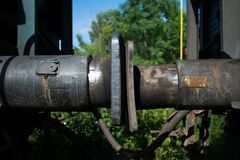 Vagnbuffertar, mellan två drevvagnar arkivbild
