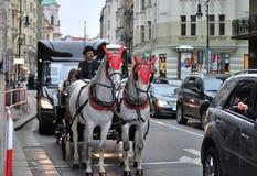Vagnen på gatorna av Prague Royaltyfri Foto