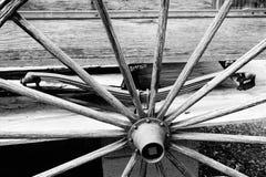 Vagnen rullar in svartvitt Arkivbilder