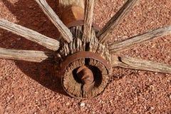 Vagnhjulnav och eker. Fotografering för Bildbyråer