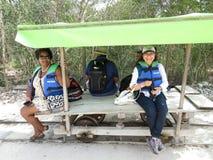 Vagnsritt till Cenotesen Fotografering för Bildbyråer