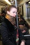 vagone della metropolitana della ragazza immagine stock