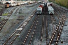Vagonetti delle piste e del treno immagini stock libere da diritti