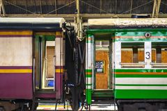 Vagoni tailandesi variopinti fotografia stock libera da diritti