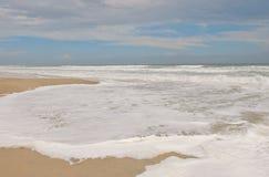Vague déferlante d'Emerald Isle la Caroline du Nord photo stock