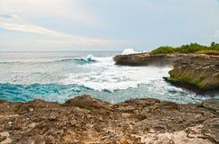 Vague déferlante d'océan Photos stock