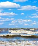 vague déferlante orageuse Image libre de droits