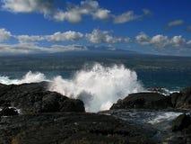 Vague déferlante vers le haut de Mauna Kea Image stock