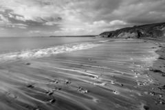 Vague de recul, plage de Hemmick, les Cornouailles images stock