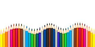 Vague des crayons en bois colorés d'isolement sur le blanc photo stock
