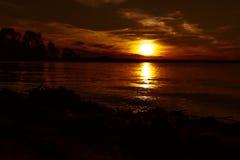 Vague facile au coucher du soleil Photographie stock