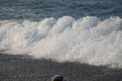 Vague sur le rivage, Photographie stock