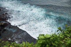 Vagues côtières de l'océan Photographie stock libre de droits