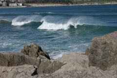 Vagues dans la plage photographie stock libre de droits