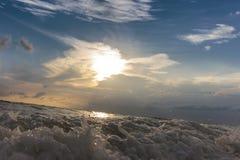 Vagues de mer et ensembles de ciel Photos libres de droits