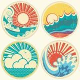 Vagues du soleil et de mer de vintage. Icônes de vecteur d'illust