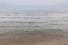 Vagues en brouillard photo stock
