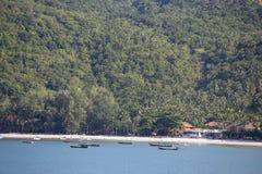 Vagues tropicales de plage et d'eau de mer sur l'île Koh Phangan, Thaïlande Image stock