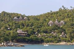 Vagues tropicales de plage et d'eau de mer sur l'île Koh Phangan, Thaïlande Images libres de droits