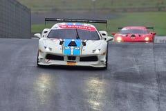 Vai a competência máxima em um desafio de Ferrari 488 na série de Asia Pacific do desafio de Ferrari compete o 15 de abril de 201 Foto de Stock