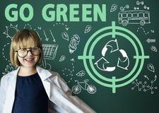 Vai o conceito verde da seta do ônibus de Sun da reutilização Fotografia de Stock