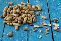 Vainas y semillas del cacahuete imágenes de archivo libres de regalías