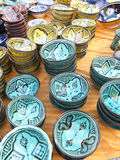 Vaisselle colorée du Maroc Image stock