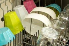 Vaisselle de cuisine dans le lave-vaisselle Images libres de droits