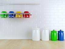Vaisselle de cuisine sur le plan de travail en bois Photo libre de droits