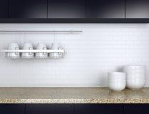 Vaisselle de cuisine sur le plan de travail en bois Photo stock
